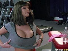 Black haired milf Joslyn Star with big fake balloons and cheep tattoos in red underwear plays with slender slutty bitch and stuffs her pink twat in awesome position in the gym