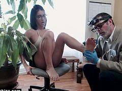 Watch the provocative French brunette  Bianca giving her man a hell of a footjob in this awesome vid.