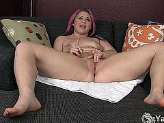 Small breasted BBW honey with sexy tattoo fucking her bald pink cunt with a glass dildo