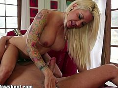 Helly mae hellfire sucking on big cock