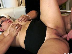 Nasty mature aunty sucking cock deepthroat and later getting nailed hard missionary style