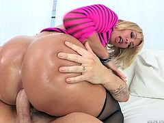 Big ass milf loves having her tight ass hole drilled during nasty hardcore scene