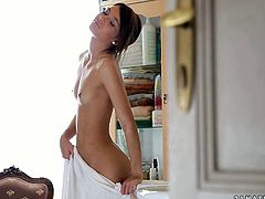 Captivating girlie with slim sexy body and beautiful face is playing with her cherry in front of the mirror. Temping babe make me dripping. Check her out in 21 Sextury porn clip.