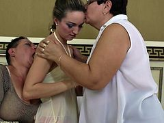 She's skinny, young and very beautiful, just the way these two old and saggy lesbians like it. Tatum ends up between Mariette and Viona, two old lesbians that are anxious to delight themselves with her young body. The hot chick now gets her bald delicious pussy licked by one from behind as she kisses the other.