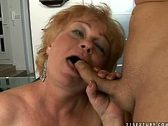 Horny granny is here to show what she can do with a cock and I'm kinda sure you will definitely appreciate her experience. Damn, her cock sucking skills are above all praise!