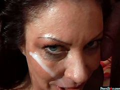 Sassy mature bitch Vanessa Vidal gets messy facial
