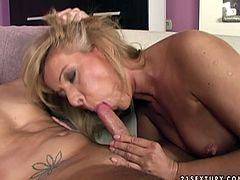 Insatiable mature slut spreads her legs wide to let her lover get a taste of her delicious pussy and then she returns the favor with a blowjob. Later she rides him in reverse cowgirl position.