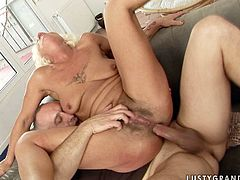 Incredibly horny granny rides dick like a true cowgirl