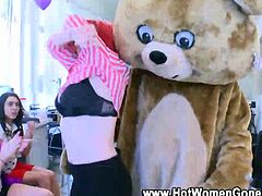 Cfnm amateur redhead undresses and grinds on stripper at party