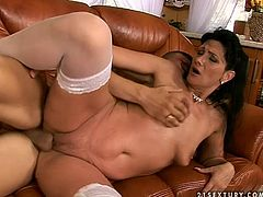 21 Sextury xxx clip provides you with a hot brunette, whose a great and futuristic lover. Amazing booty brunette bends over the couch, gets her wet pussy licked and fucked doggy. Ardent blowlerina can do nothing but moan passionately of delight.