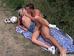 Bodacious blonde gal rides her boyfriend in reverse cowgirl position. Since that dick is already hard she takes it in her mouth and sucks it passionately for delicious cum. A bit later they fuck in sideways pose.