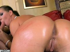 Linda Ray's appetite for threesome is huge. She can't get enough of hard cocks penetrating her holes.
