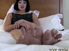 Nasty belles flaunt their sexy feet just for you