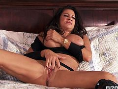She's busty and ready to fuck. Teri patiently awaits for her man in the bed with her big boobs on display and that hot thighs spread. The hot brunette plays with her pussy and then the guy pays her some well deserved attention. He sucks her nipples and licks her cunt to make her ready for what's about to come