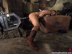 Hot brown-haired chick Jolene is having fun in some weird place. She strokes her cute body and then gets her sugary pussy pounded by a fucking machine.