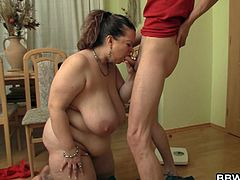 Mature BBW is seduced by a younger guy who is into busty BBW women. Cum and watch as this nasty women reveals her slutty side on camera and gets her pussy fucked on the floor.