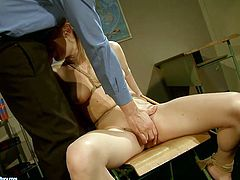 21 Sextury xxx clip is ready to make you jizz at once. Kinky pale and booty blondie sits on the chair. This naked gal is all tied up with ropes and sucks a strong dick for sperm passionately.