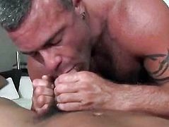 Amateur Ass Massage on Rubgay