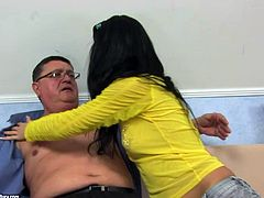 Spoiled brunette with flossy ass seduces horny old fat mechanic. This girlie with natural tits takes him home to get her soaking juicy pussy licked right on the couch. Check out this torrid gal in steamy 21 Sextury xxx clip to jack off and jizz at once.
