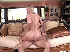 Check out this hot tramp as she sucks dick and gets her tight vagina stuffed with hard fucking dick, check it out right here!
