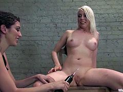 Lorelei Lee features this lesbian BDSM femdom video with electrical teasing, bondage and toying where she's dominated.