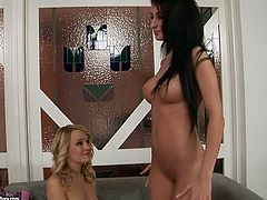These incredibly horny lesbians are in love! Spoiled blondie knows how to satisfy her girlfriend's sexual needs. She pokes her snatch with dildo pushing her to the edge of powerful orgasm.