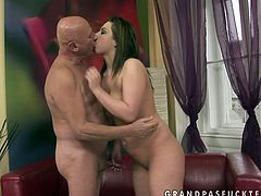 Naughty hooker is into fucking older men with huge sex experience. So she seduces one for hardcore sex. Watch her sucking his dong deepthroat in 69 sex position.