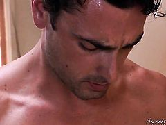Ryan Driller ejaculates after Aurora Snow gives magic head job