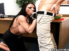 Johnny Sins wants to bang dangerously horny Lisa Lippss juicy mouth forever