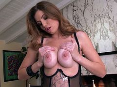 Experienced mom Jamie looks damn fine. She loves to play with herself wearing her sexy lingerie. The milf gropes her big boobs, looks at us with desire and then turns around and slaps her ass. Her booty turns red and she gets even hornier! Enjoy this bitch and what she has to offer!