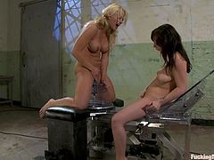 Holly Heart and Lindy Lane take a bath together. Then they start to lick each others pussies. In addition they also get their pussies and asses toyed by fucking machines.