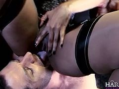 See the lovely brunette Kerry Louise getting her clam munched by her man while the hot chocolate babe Ebony Goddexxx gives him a hell of a blowjob.