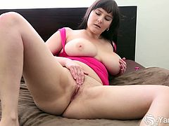 Envy is a horny amateur babe with big juggs. She is all home alone and opens her legs wide then uses her Hitachi vibrator to experience one of the deepest orgasms ever!
