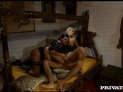 See how two rapacious porn babes Claudia Ferrari and Sarah Blue lick each other's wet pussies and get fucked by one dude in missionary pose.
