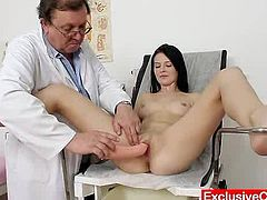 Slim doll Gabrielle Gucci expander test at gyno doctor