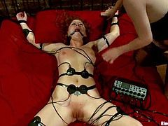 Redhead Brooklyn Lee gets wired and then toyed with a vibrator