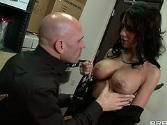Mya Nichole is an extremely hot and dirty type of a woman. This gorgeous brunette knows how to treat a dick. She takes every inch of her lover's dick in her hungry mouth and sucks it greedily like mad.
