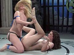 Bobbi Starr and Darling are having a wild struggle on tatami. The chicks fight with each other ardently and pull one another by the hair and then Darling fucks Bobbi's cunt with a strapon.