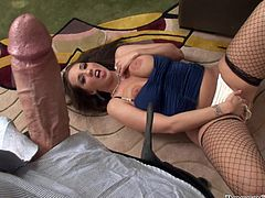 Brown-haired babe with big boobs and booty poses for a camera. Then this hottie gives passionate blowjob to Rocco Siffredi.
