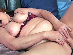 Check out a horny BBW granny named Valencia showing off her big natural juggs and her fat cunt for you. She uses her favorite green vibrator to orgasm for you!