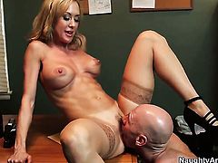 Johnny Sins uses his sturdy meat pole to make Fascinating hottie Brandi Love happy