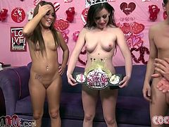 Haley Sweet and Jennifer White suck big dicks in hot foursome video. Surely then they get fucked properly. Then these beauties swap cum.