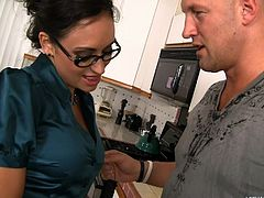 Christian is dropping off food for a food drive at his friend's place. His friend's mom, Claudia Valentine, is impressed by his charity work. She decides her son's friend should be rewarding by having his asshole licked. The dark haired mommy gives a great rimjob.