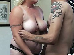 Bbw Peyton is having a chat with her much thiner girl. Between these two the guy chooses, of course, Peyton. He likes woman with curves and a bit more flesh. Peyton has a lot of those and greets him with a mean head. Then, he plays with her boobs and prepares her for the real action! Wanna see it?