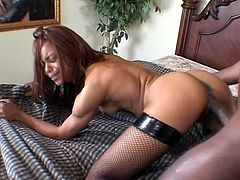 Gorgeous and super luscious ebony sex doll Marie Luv is such a hottie! She gets naked and that thick cock is going to make her day!
