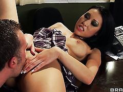 Keiran Lee makes his rock hard man meat disappear in bodacious Jayden Lees honeypot