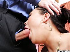 London Keyes with bubbly bottom gets doggystyled by hot dude John Strong