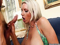 Joey Brass gets pleasure from fucking horny as hell Emma Starrs wet spot