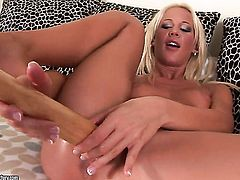 Blonde enjoys another lesbian sex session with her girlfriend Evelyne Foxy