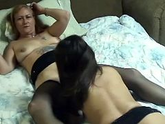 If you're in mood for a mature lesbian whores then press play. Couple of skanky mature brunette and blonde mommies in stockings eat each other's wet cunts in bed.
